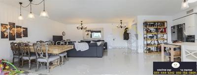 מודרני בתים למכירה כפר יונה והשרון | דירות למכירה בנתניה | צמפיונס אלופי AT-82